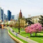 Найти авиабилет из Атырау во Франкфурт